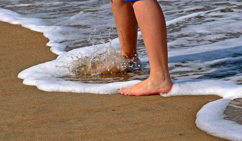 夏に足がむくむ理由