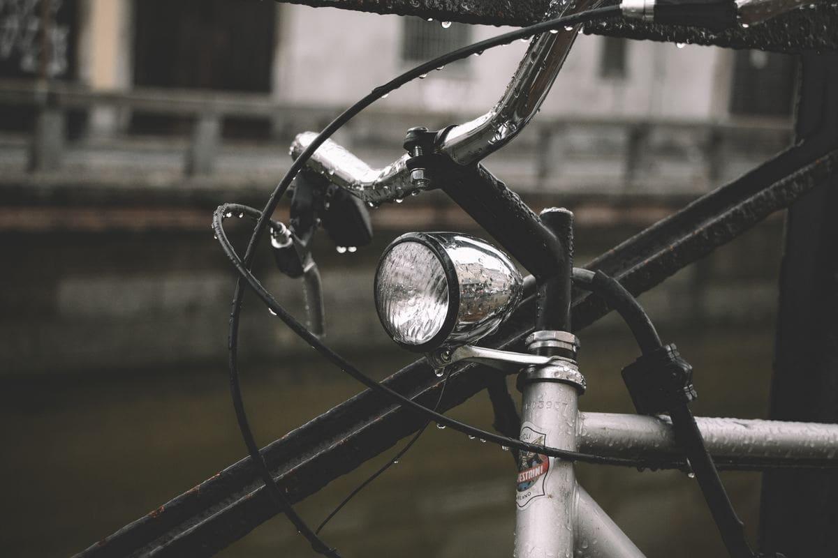 雨の日 自転車 ママ